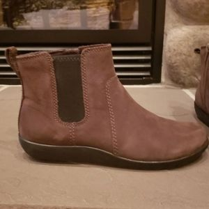 Brown boots size 6.5 Cole haan